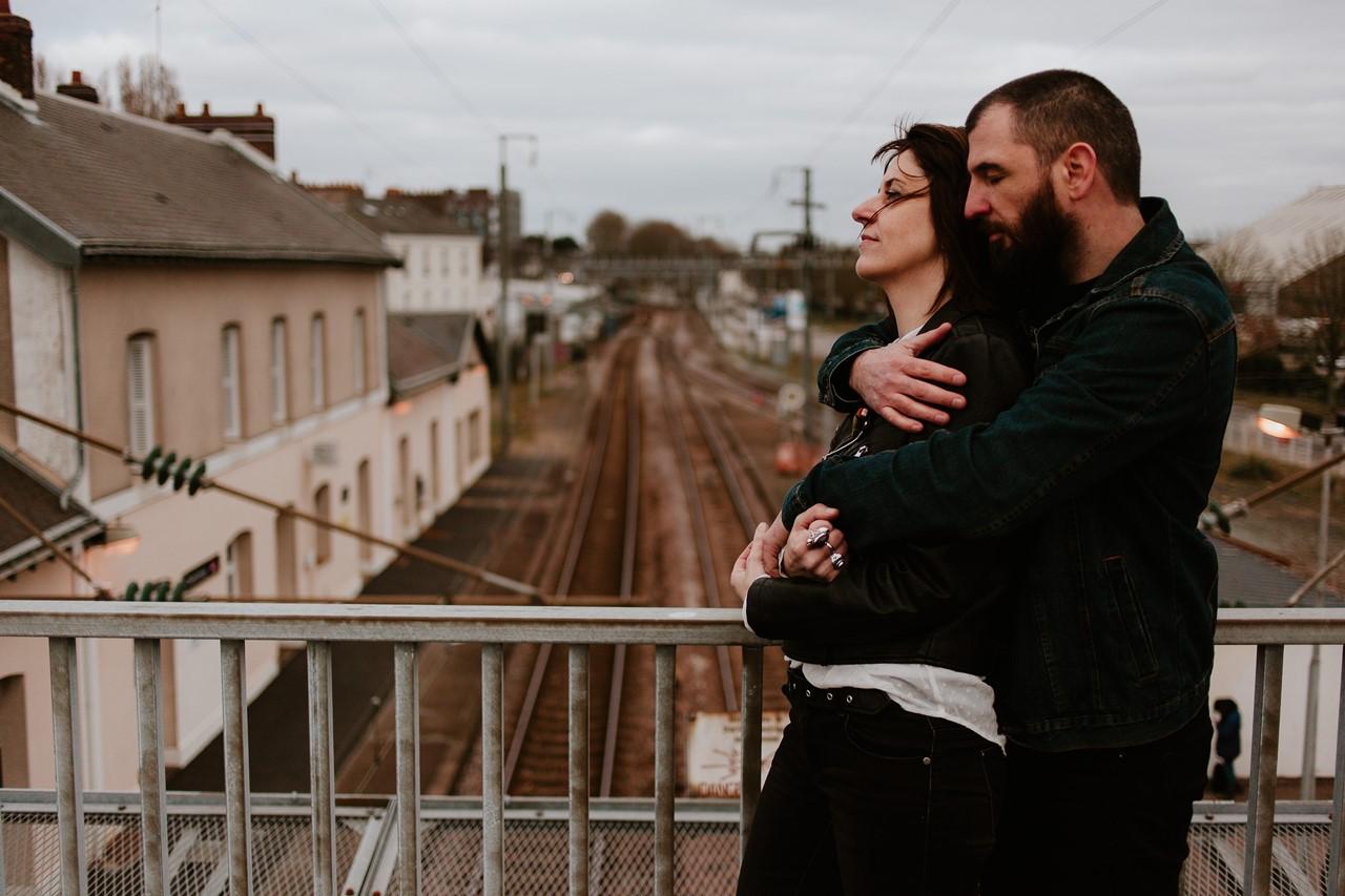 séance couple rock nantes gare pont voies de chemins de fer