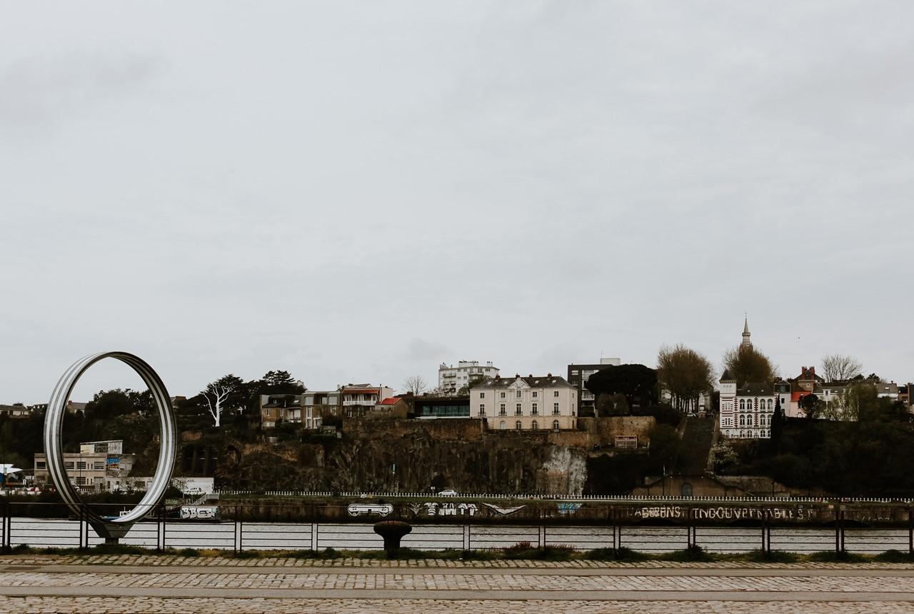 Séance engagement île Nantes paysage anneau de buren
