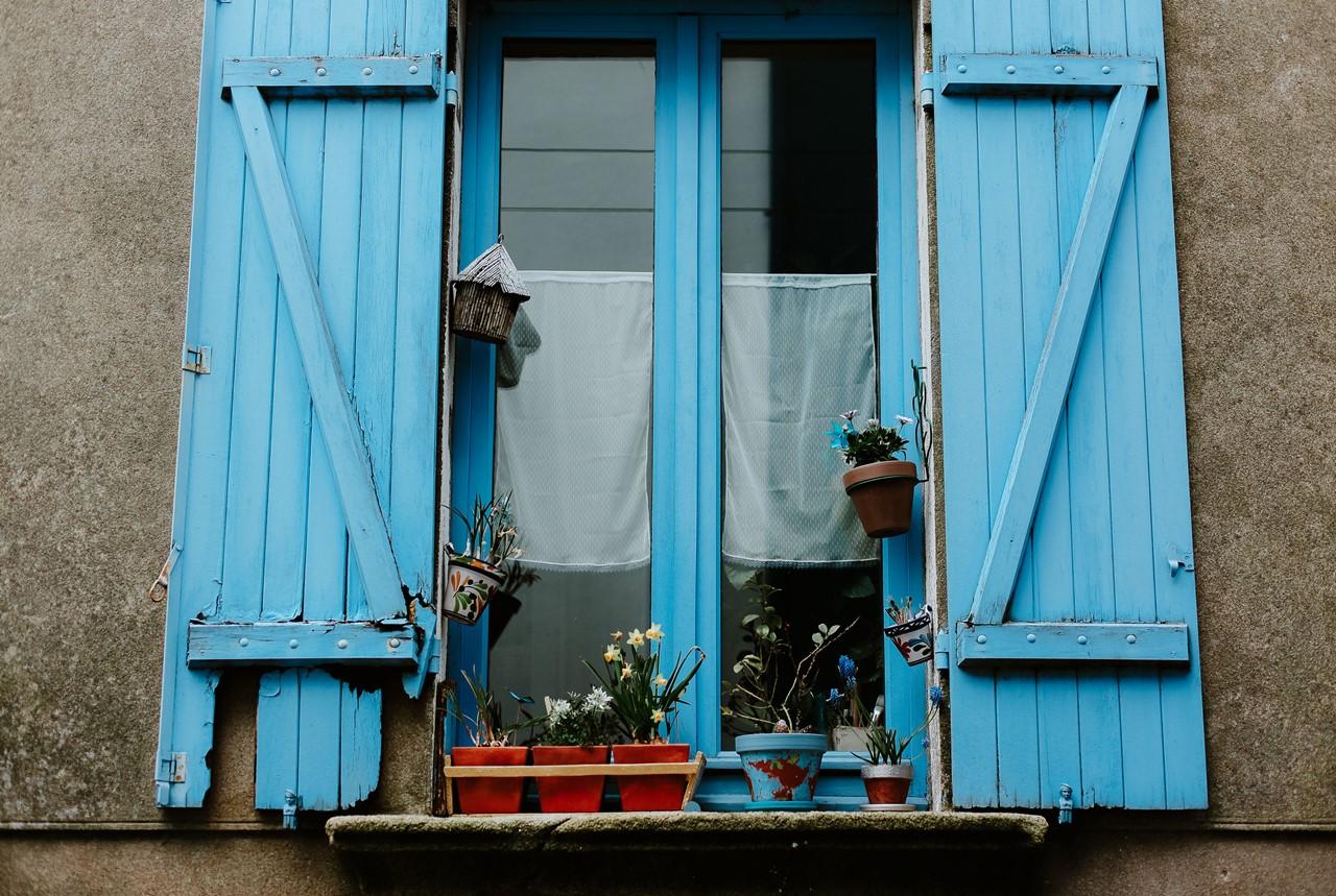 Trentemoult Nantes détails maison volets bleus