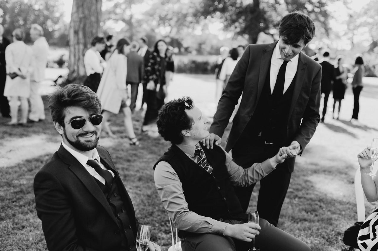 mariage angers château de la Cartrie cocktail invités noir et blanc