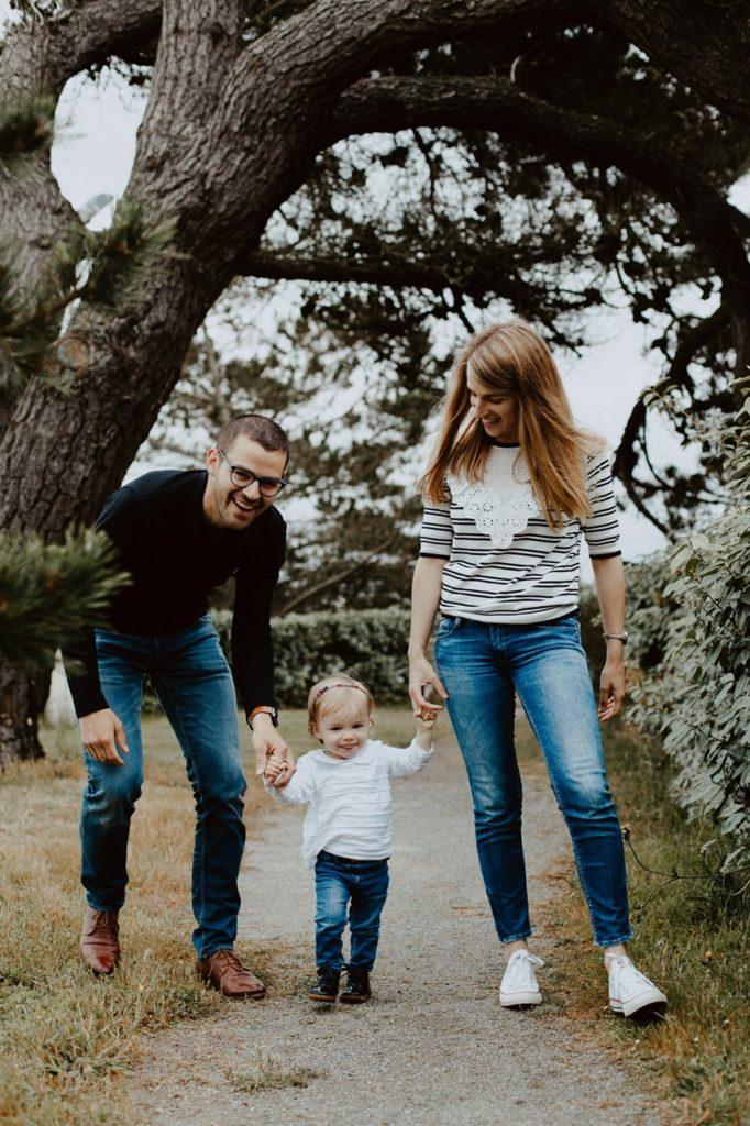 séance famille lifestyle mesquer balade parents enfant