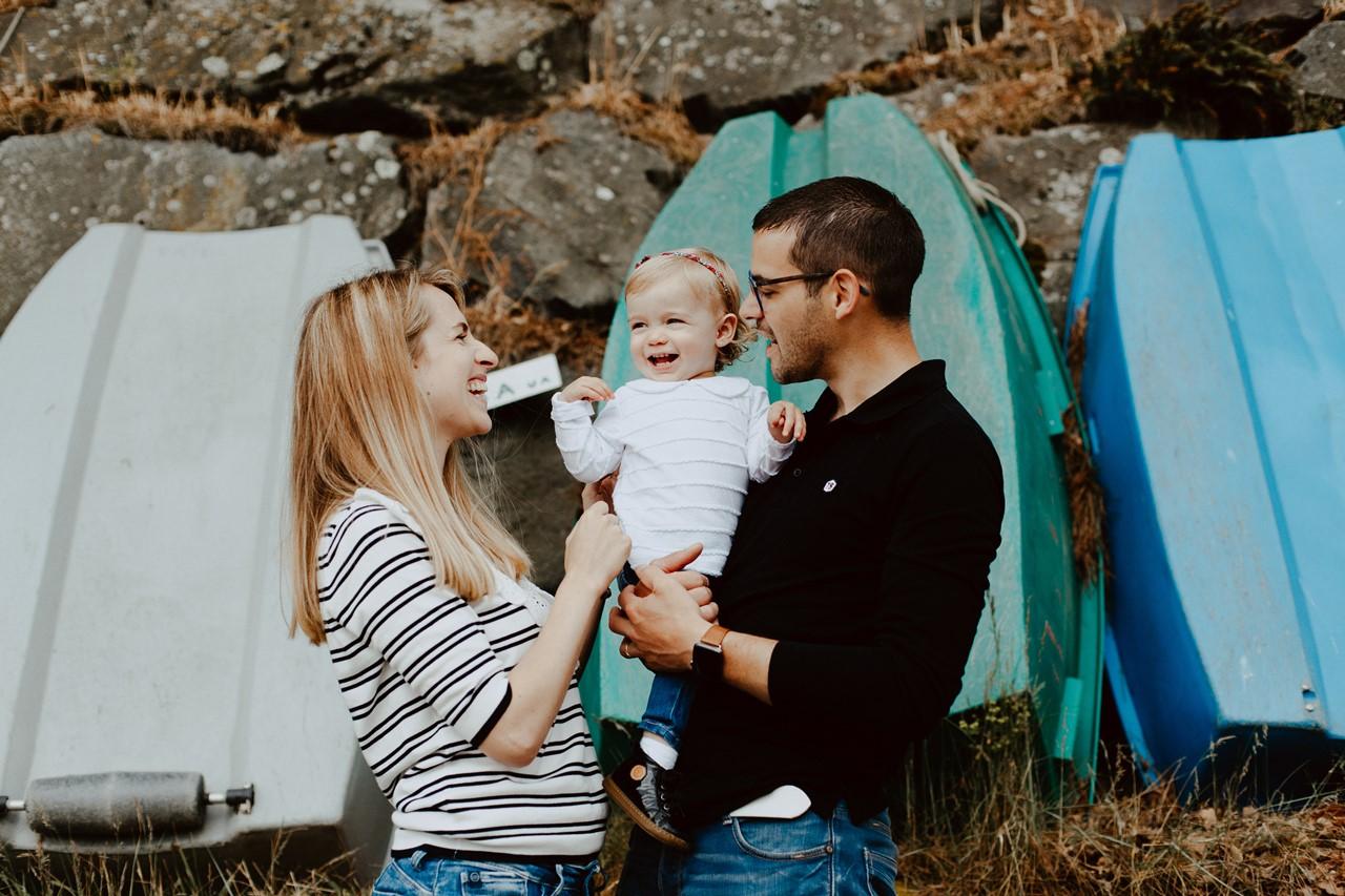 séance famille lifestyle mesquer balade portrait parents enfant rires
