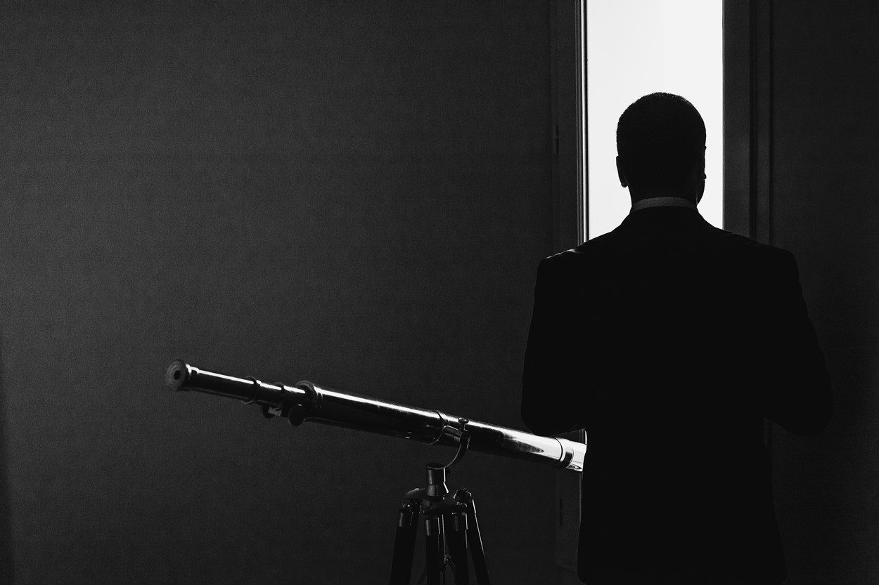 Longue vue silhouette noir et blanc