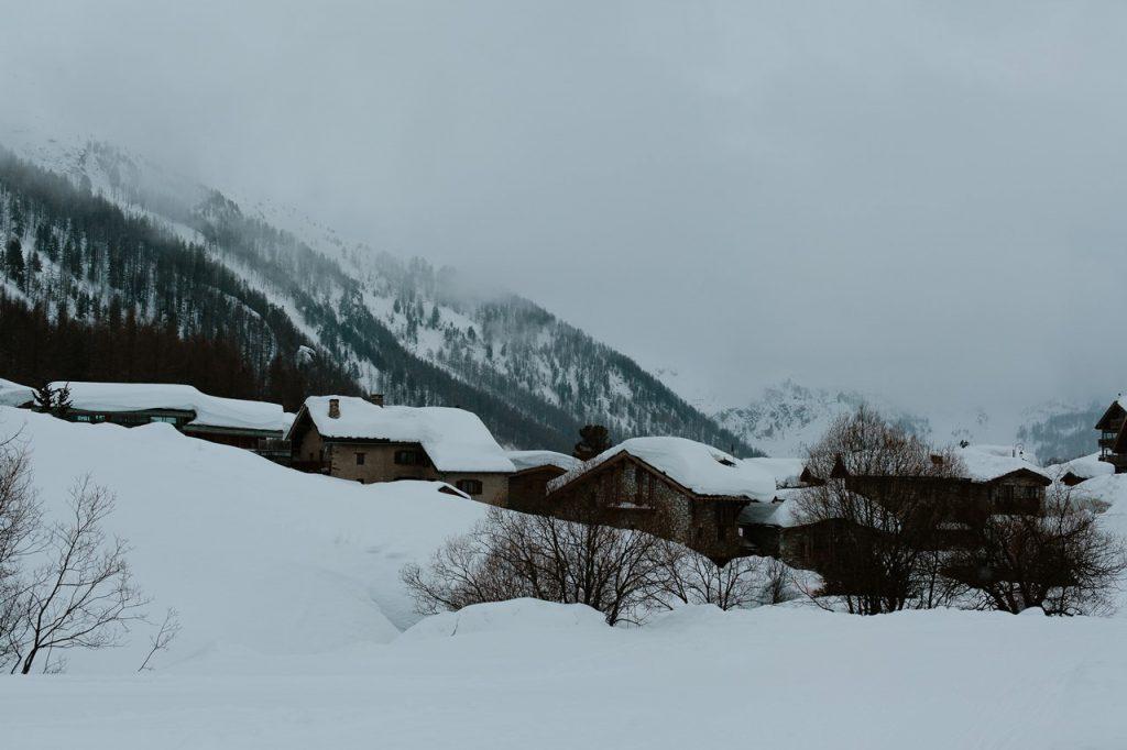 paysage montagne sous la neige