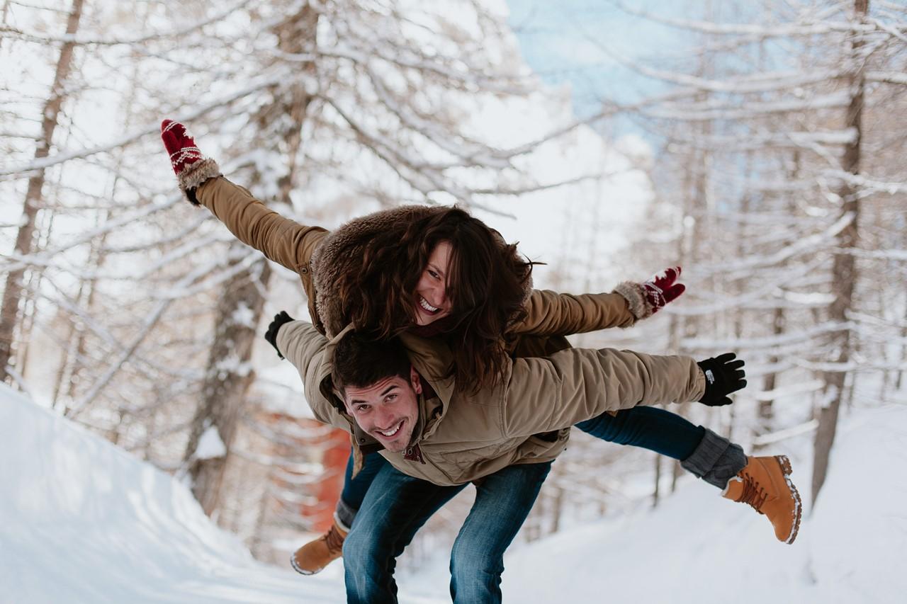 séance couple montagne jeux avion