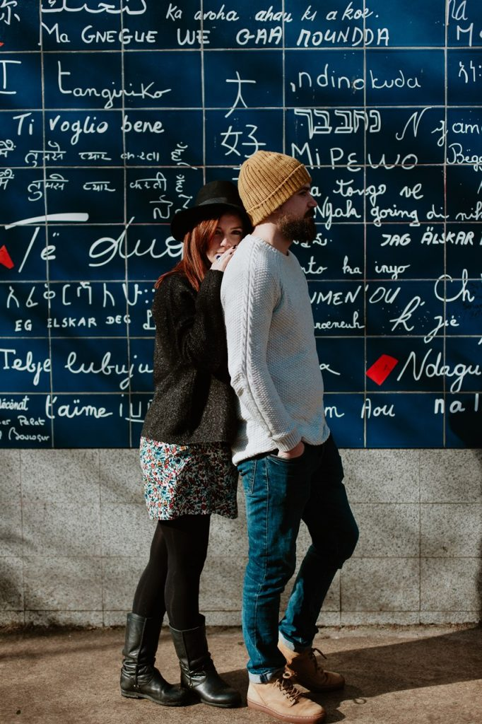 séance couple montmartre murs des je t'aime