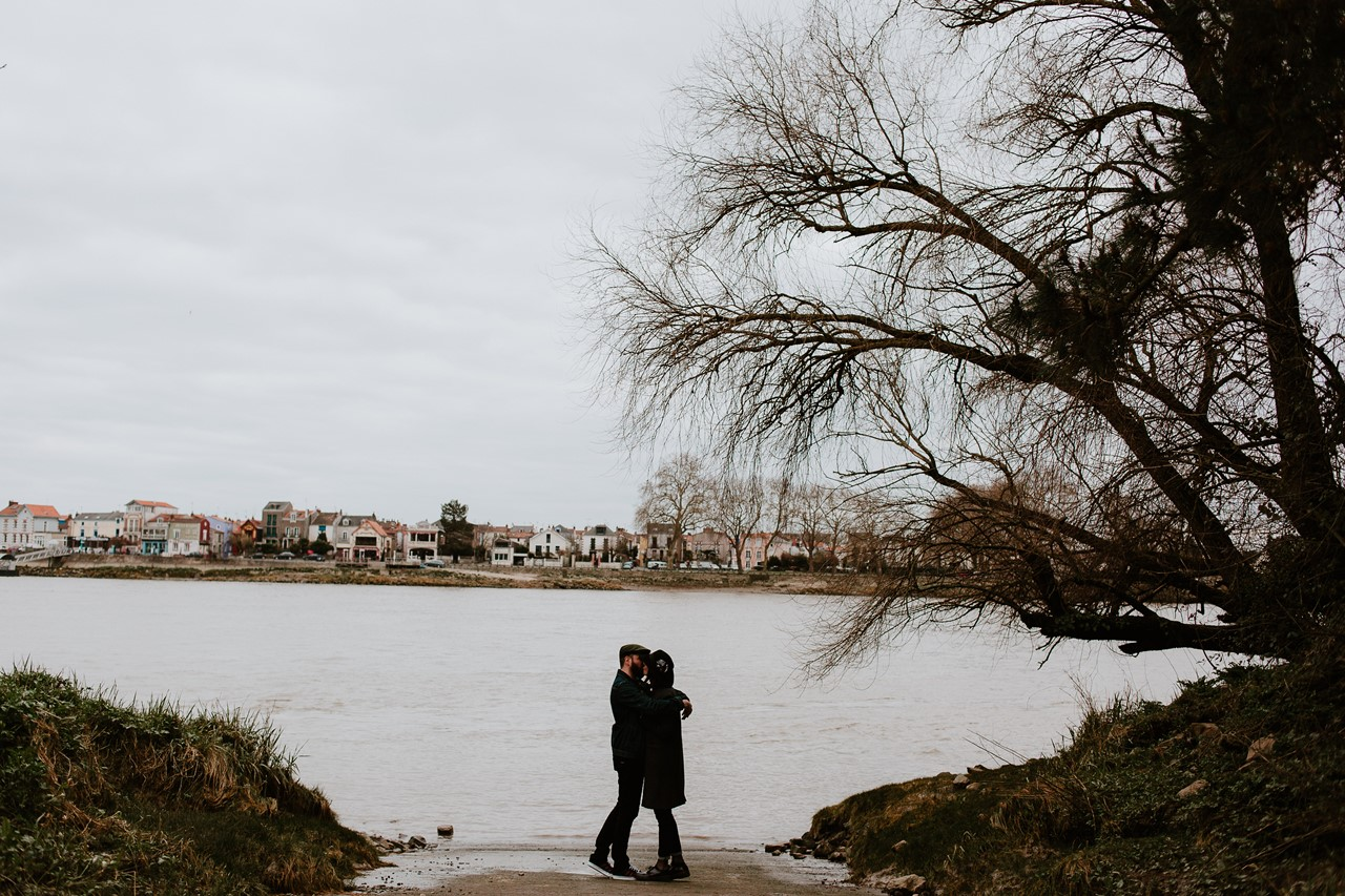 séance couple rock nantes bord de loire Trentemoult bisou