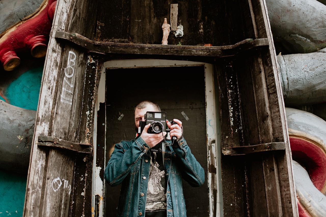 séance couple rock nantes portrait homme photographe