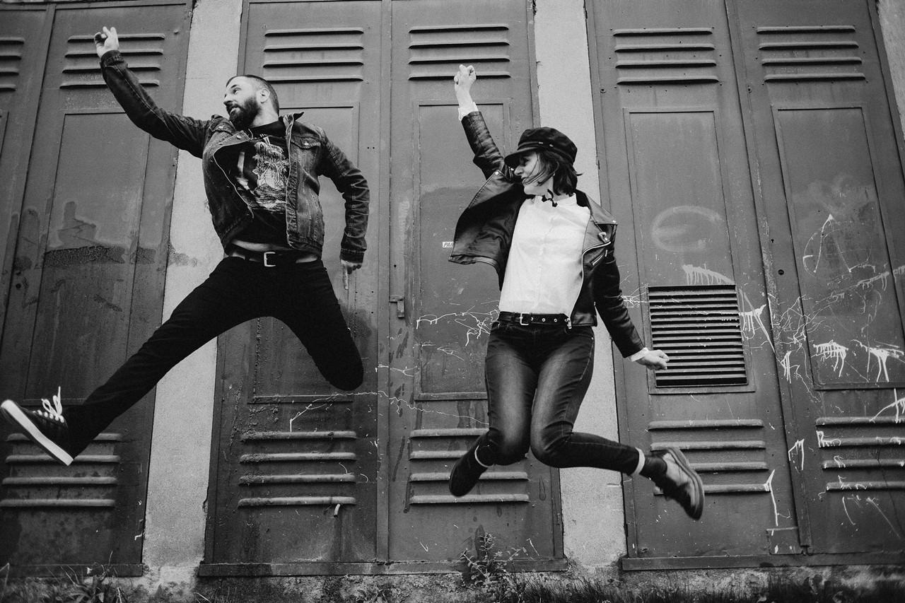 séance couple rock nantes saut noir et blanc
