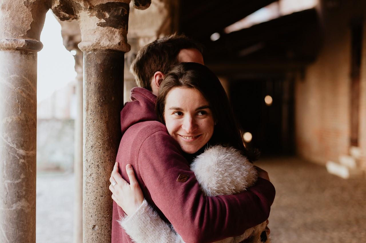 Séance engagement Albi futurs mariés abbaye calin