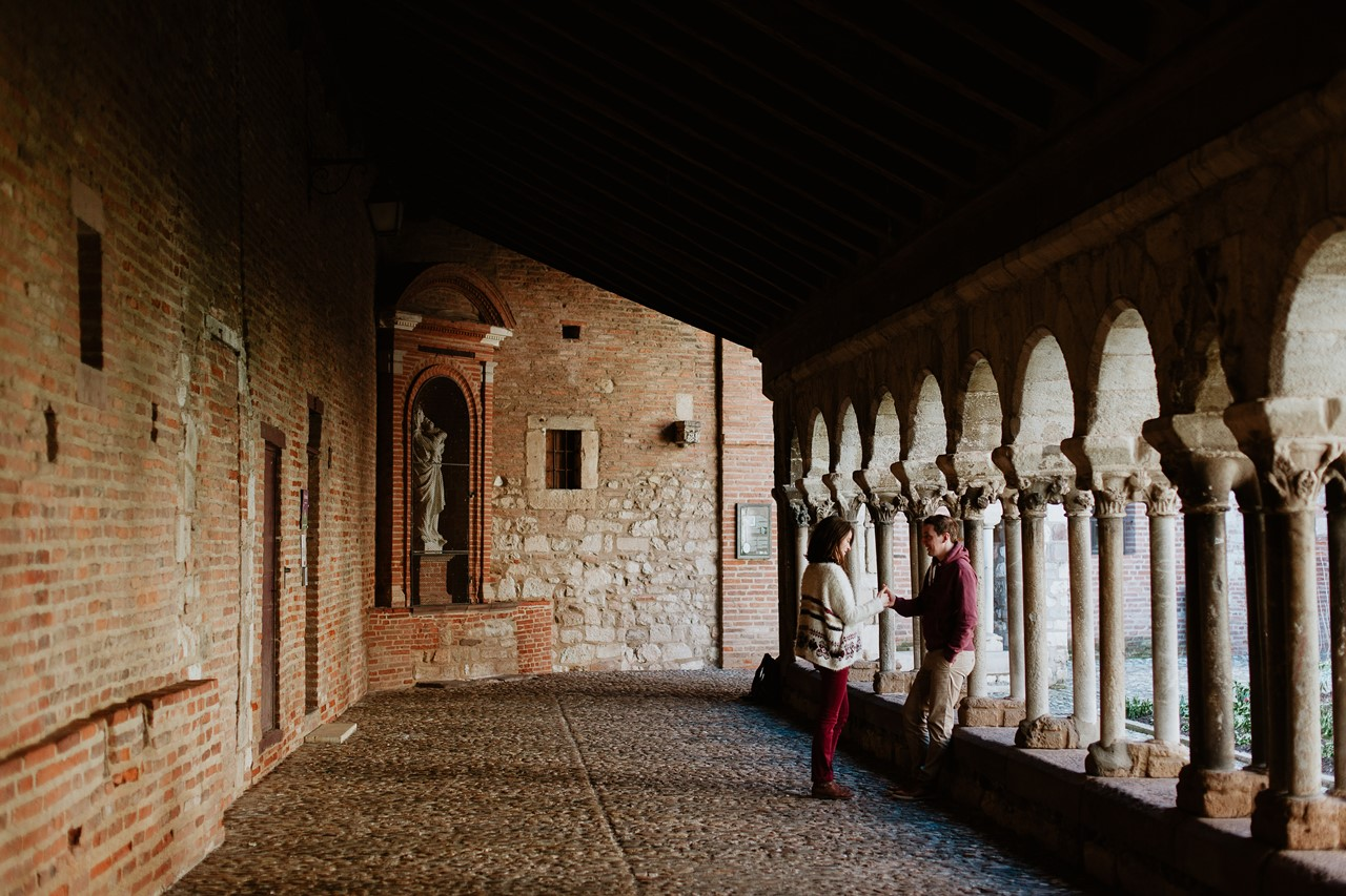 Séance engagement Albi futurs mariés abbaye