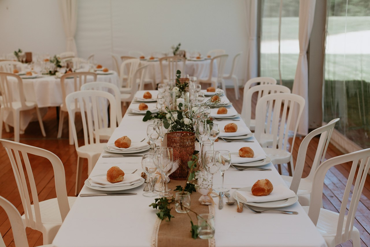 mariage angers château de la Cartrie salle réception table mariés