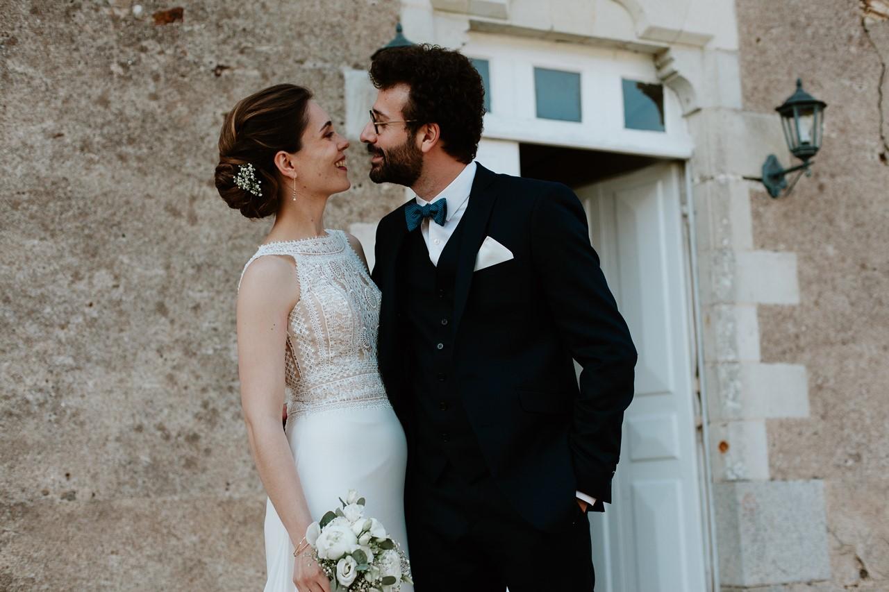 mariage angers château de la Cartrie photo couple regards