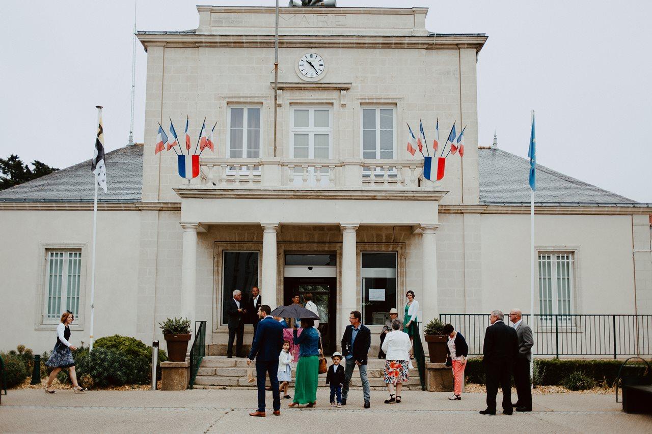 Mariage bohème façade mairie St père en retz