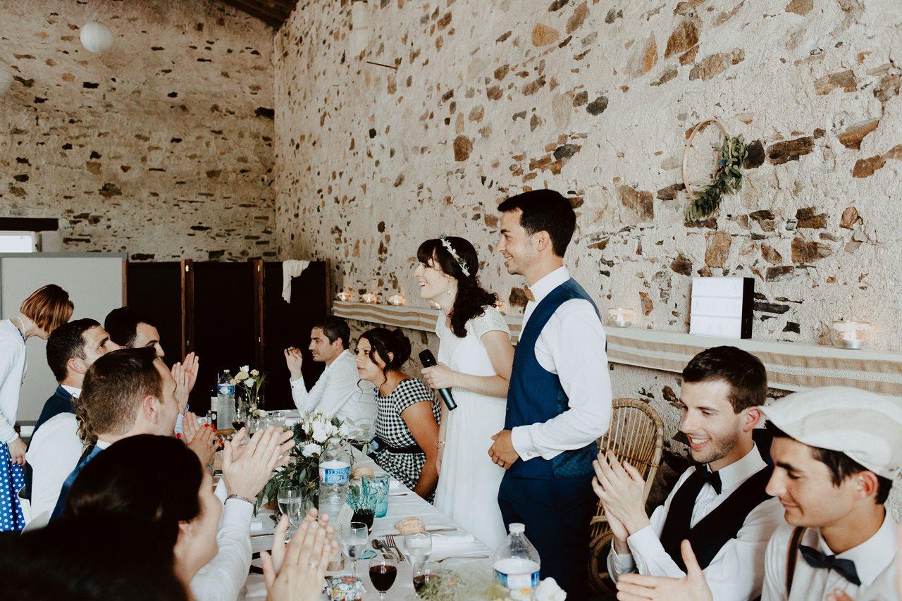 Mariage bohème guermiton repas mariés