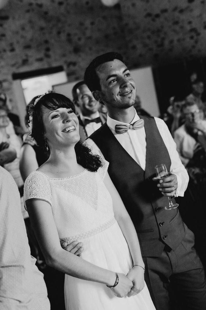 Mariage bohème guermiton rires mariés animation noir et blanc