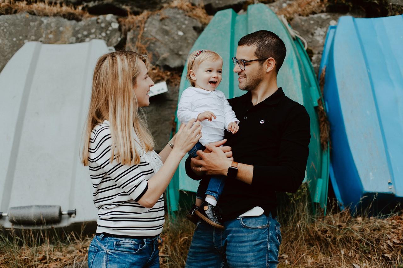 séance famille lifestyle mesquer balade portrait parents enfant complicité