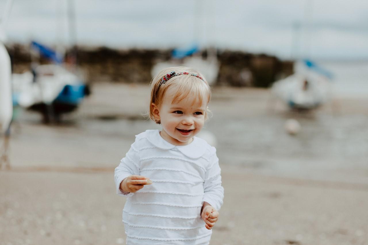 séance famille lifestyle mesquer plage portrait enfant