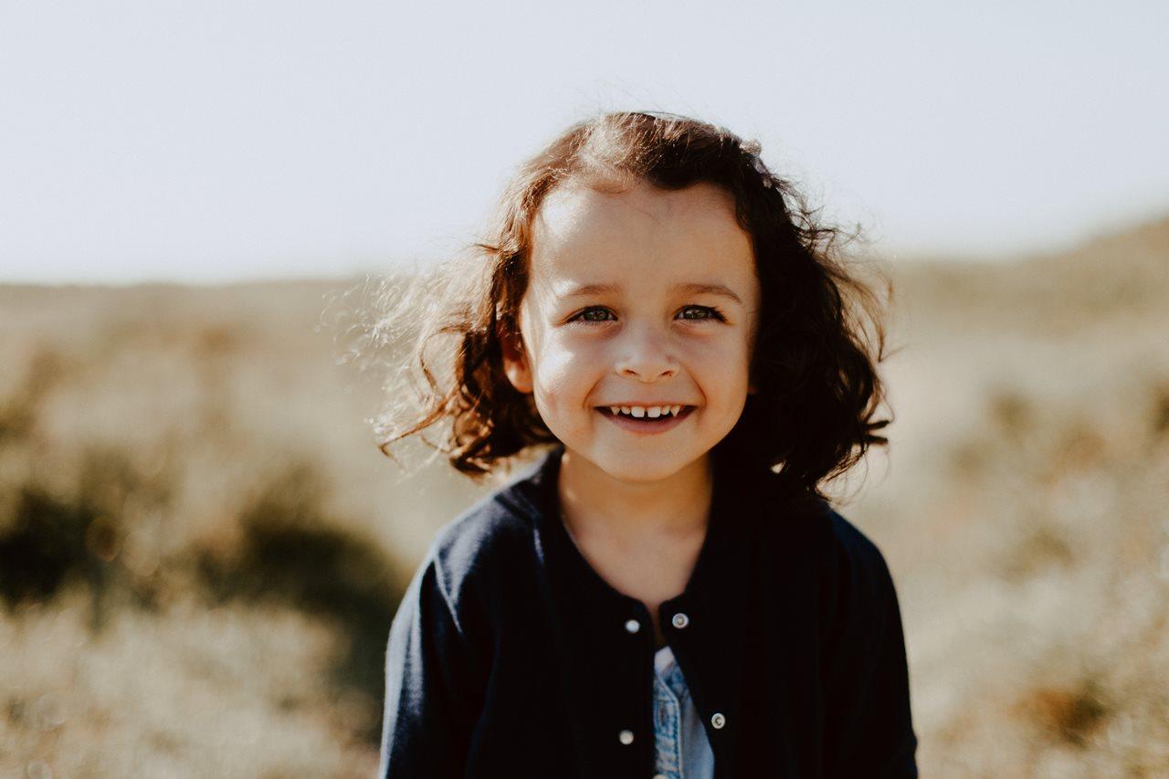 séance-photo-famille-La-Turballe-portrait-petite-fille
