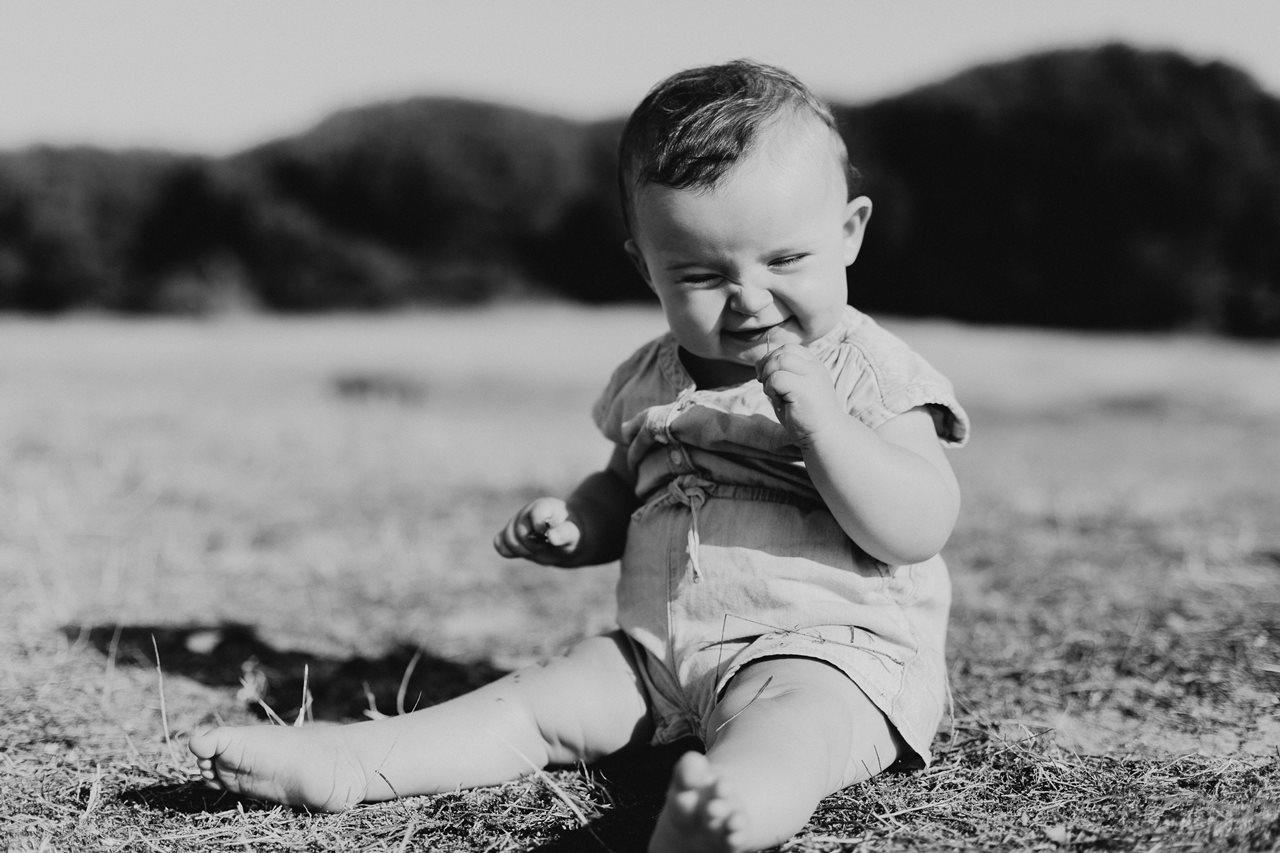 séance-photo-famille-Pen-Bron -portrait-bébé-noir-et-blanc