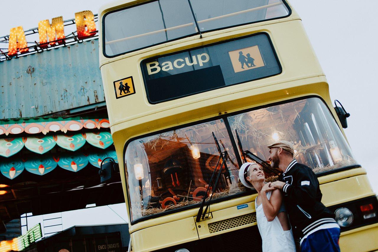 seance couple Nantes Transfert photo amoureux bus anglais scolaire