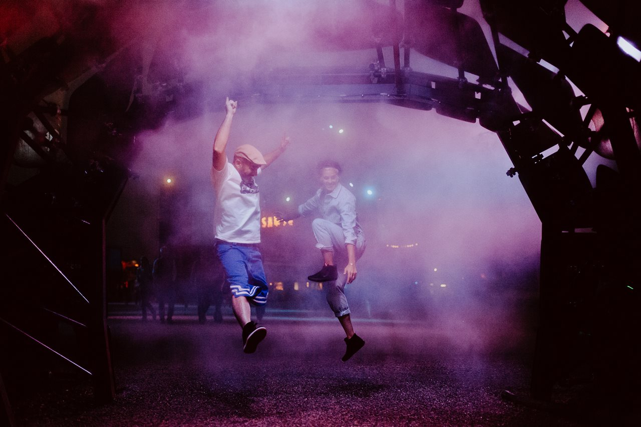 seance couple Nantes Transfert saut fun lumière violette brume