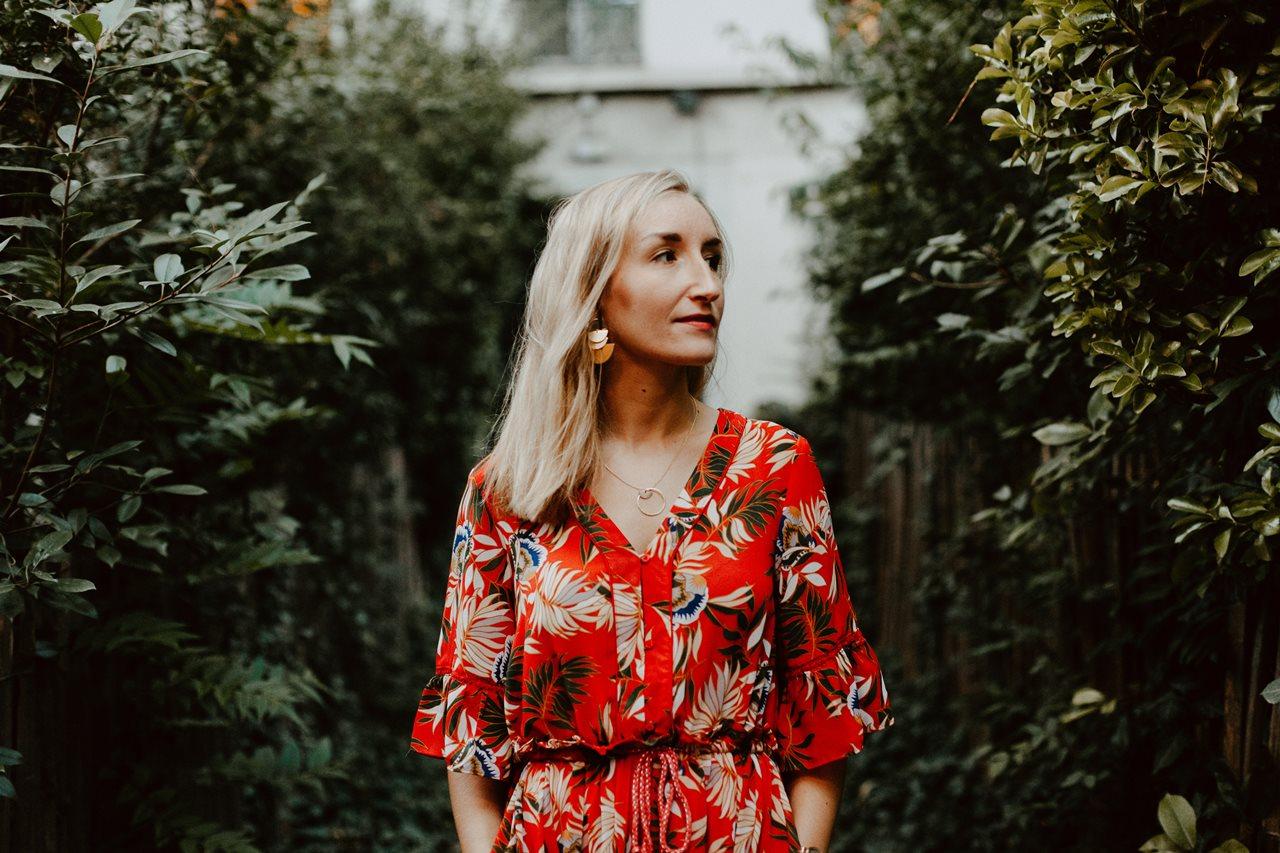 seance engagement paris montmartre portrait femme