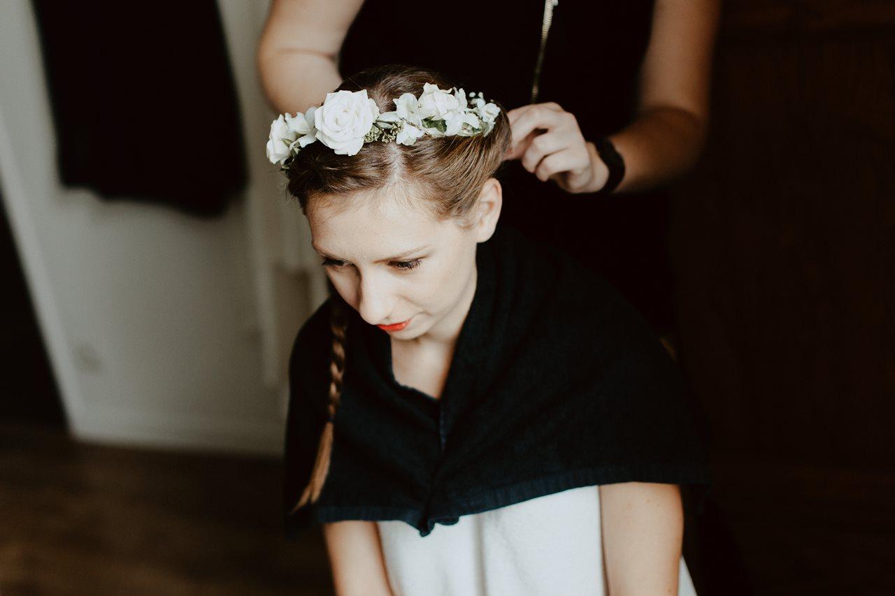 Photographie mariage préparation de la mariée coiffure portrait