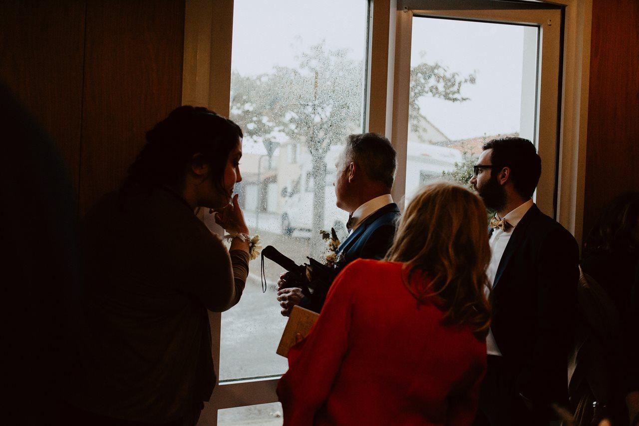 Photo mariage mairie attente invités