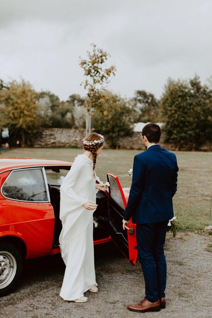 Mariage champêtre guermiton arrivée mariés voiture
