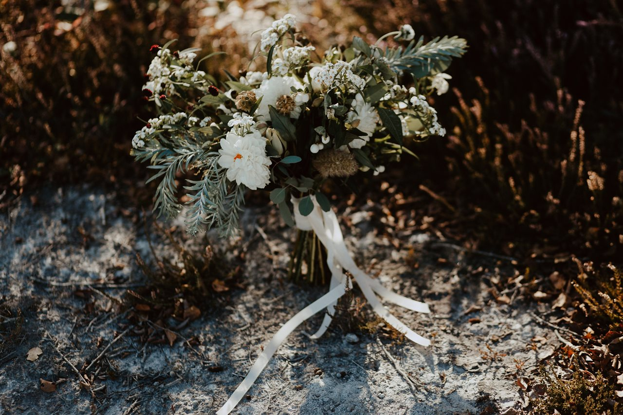 mariage nude plage fleurs mariée Elodie Bonnor