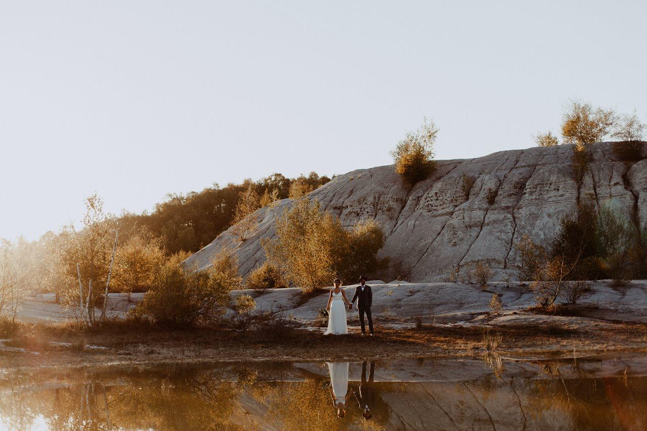mariage nude plage portrait mariés reflet eau