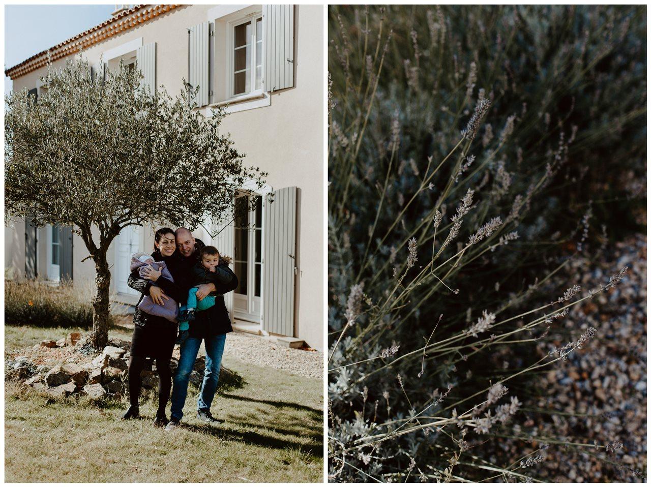 séance nouveau-né lifestyle portrait famille devant la maison détail lavande
