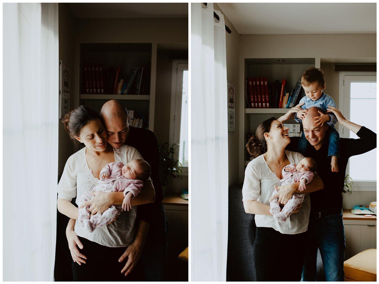séance nouveau-né lifestyle portrait famille calîn parents bébé et rires parents fils