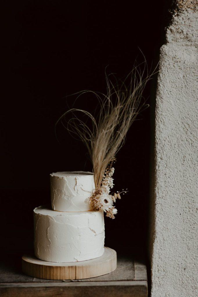 mariage bohème gâteau nude fleuris Petite Douce