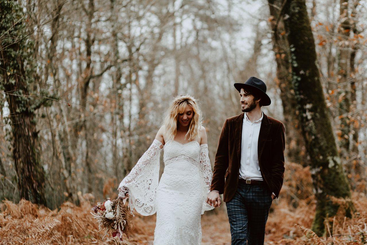 mariage folk marche nature mariés rires
