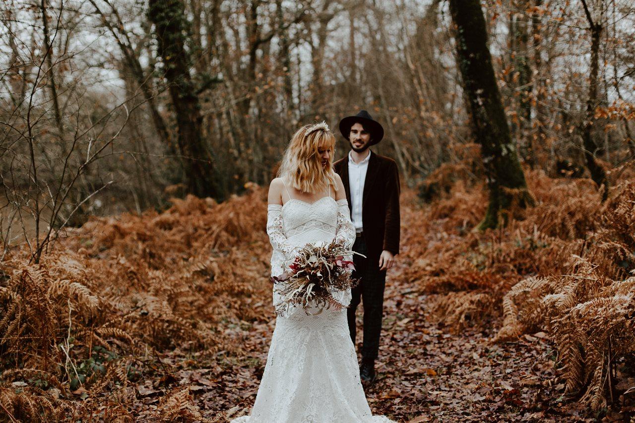 mariage folk forêt séance couple bohème mariés fougères