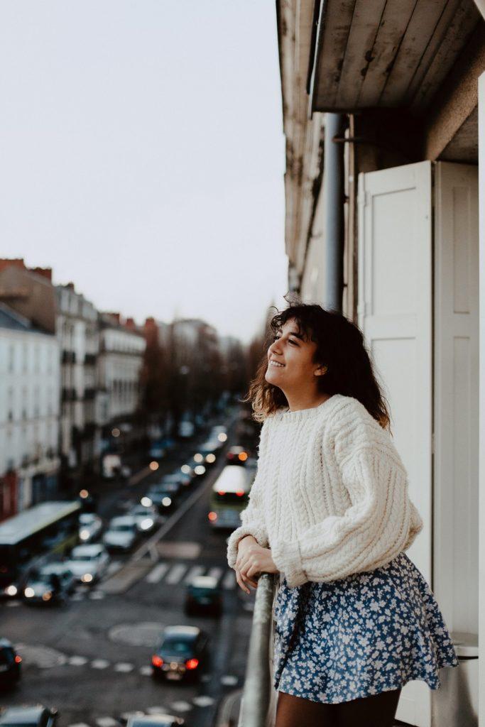 séance portrait femme urbain balcon Nantes