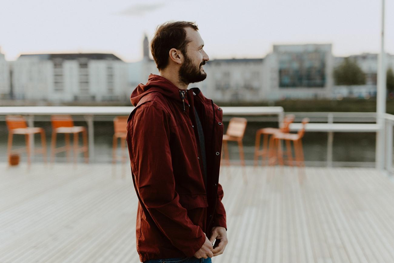 Nantes portrait homme toît guinguette