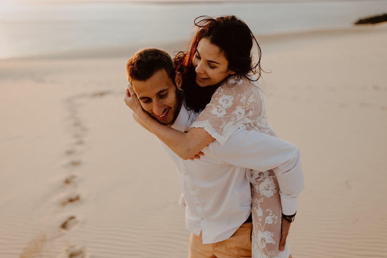 séance couple dune du Pilat mariés rires