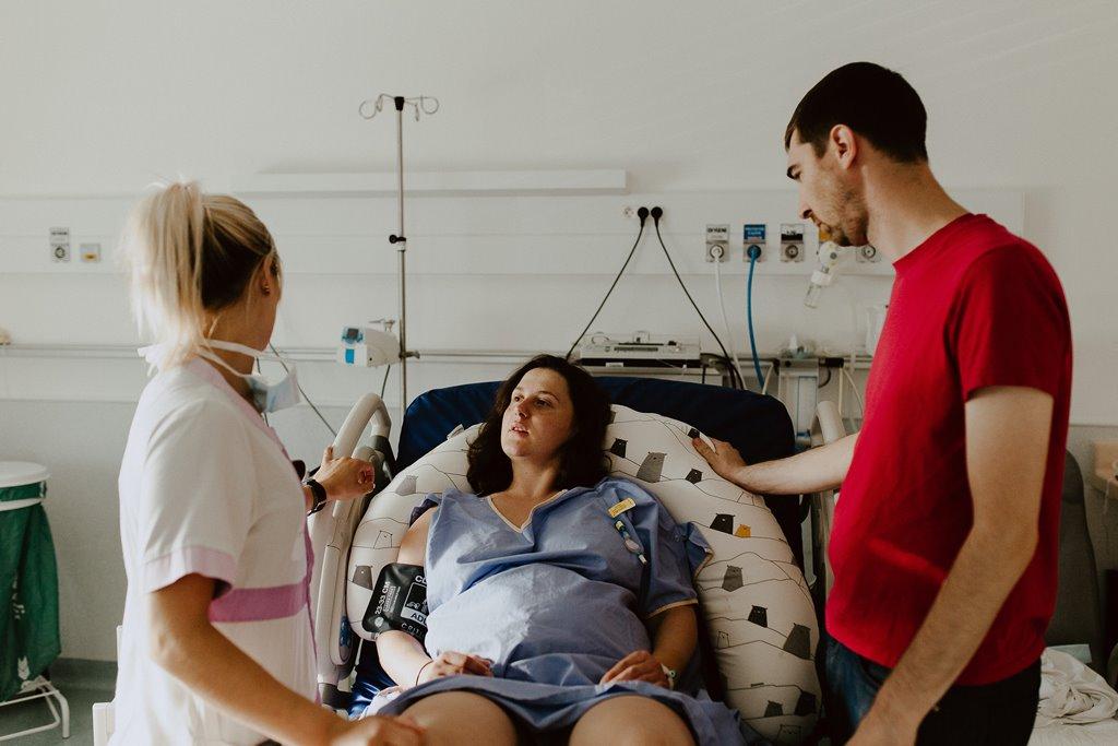 Reportage photo naissance accouchement maman polyclinique de l'Atlantique Nantes