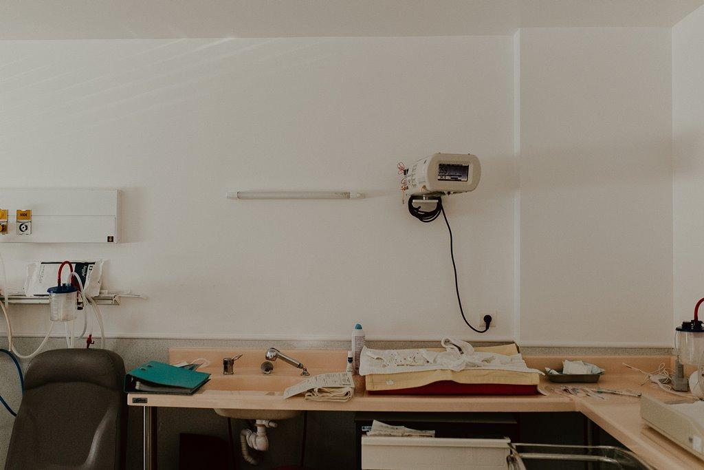 Reportage photo naissance détails chambre accouchement polyclinique de l'Atlantique Nantes