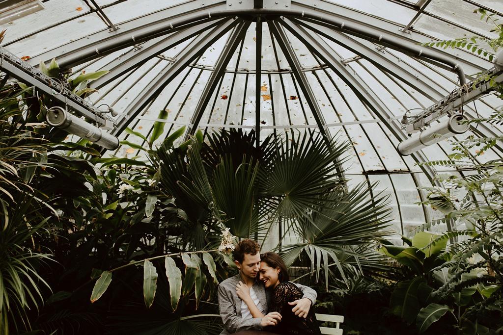 séance couple ambiance botanique serre couple plantes
