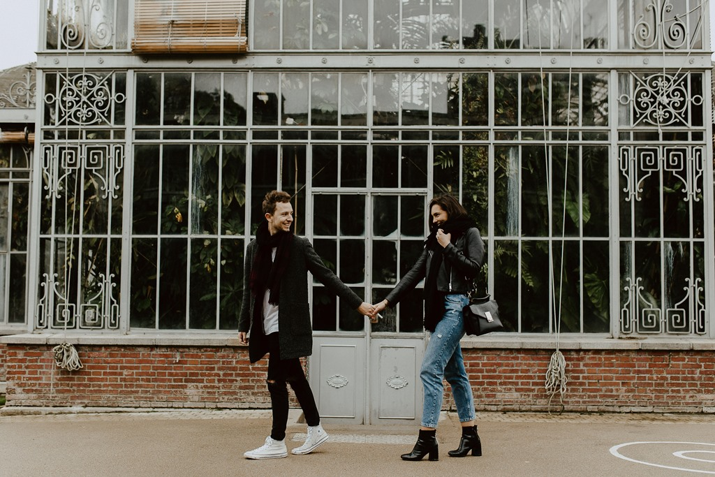 session couple nature Nantes ballade futurs mariés serre jardin des Plantes