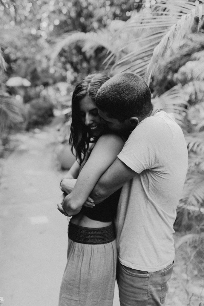 séance photo couple calîn noir et blanc