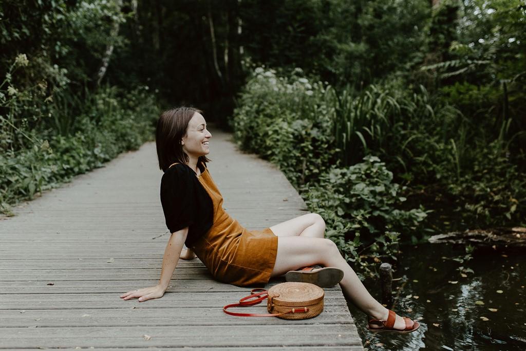 portrait femme lifestyle nature bord de l'Erdre Nantes