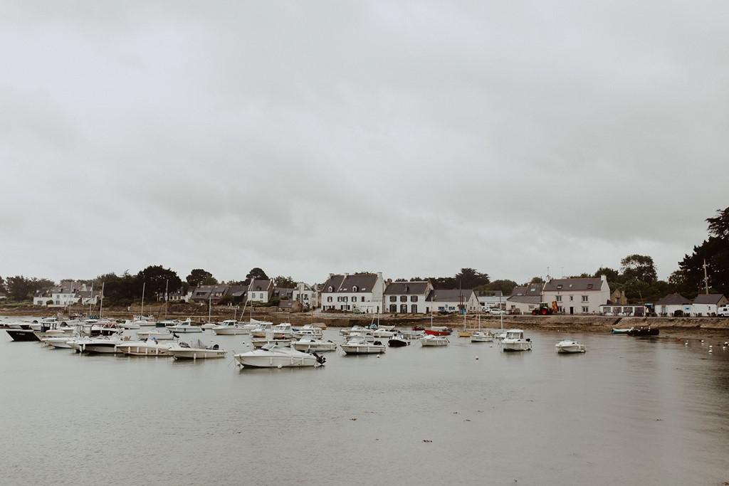 port du Logéo Sarzeau Bretagne ciel gris bateaux
