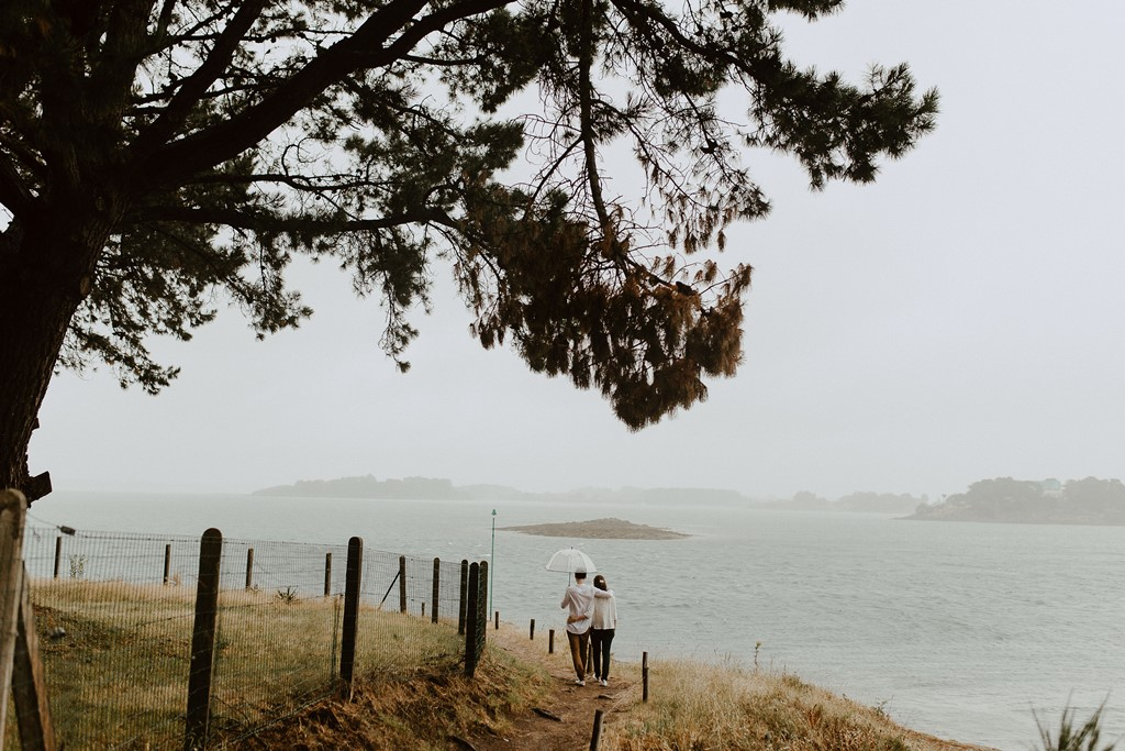 balade amoureux plage Sarzeau pluie mer côte arbre